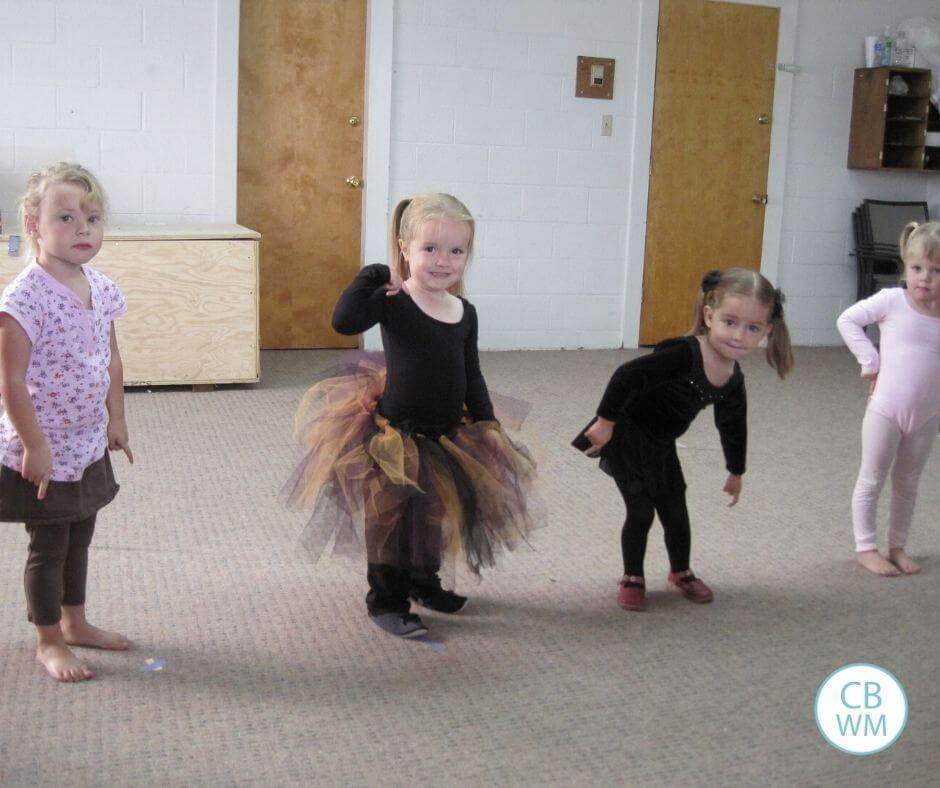 Preschoolers dancing